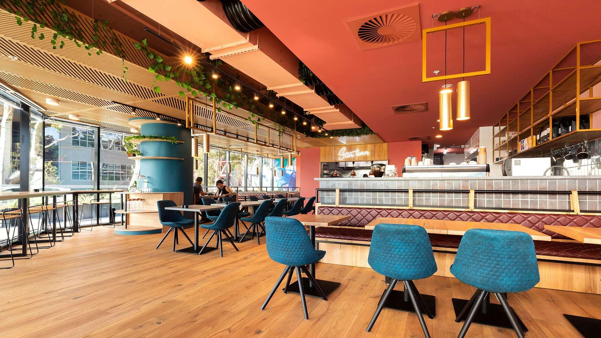 Star Turn Cafe Restaurant_01